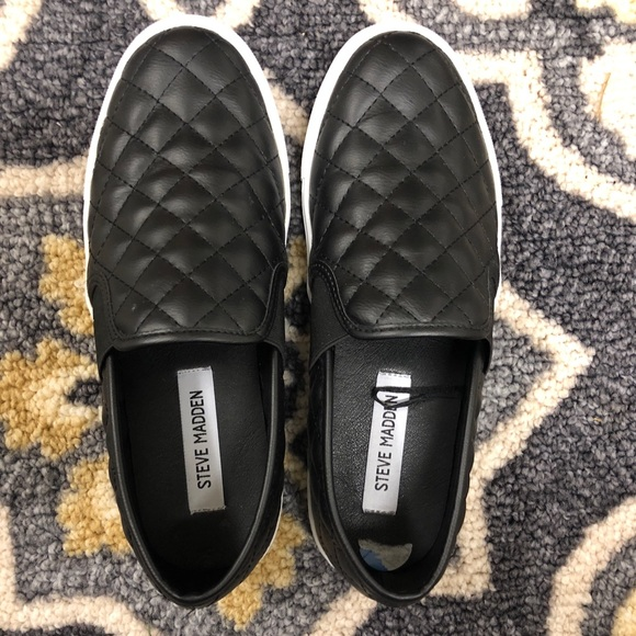 8d639487c2e Black quilted Steve Madden slip ons. M 5b5f6a9634e48acd1aee3ee5
